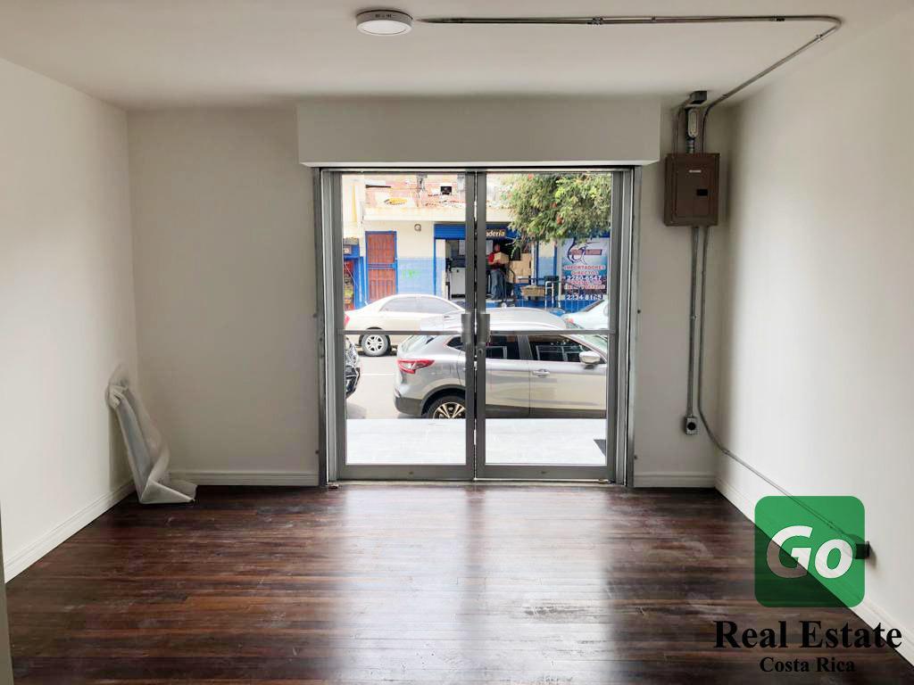 Local comercial #4, Centro Calle 25, Francisco Peralta, San José